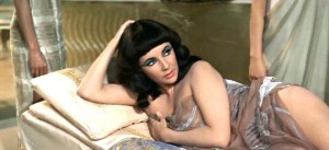 elizabeth-taylor-as-cleopatra-in-cleopatra
